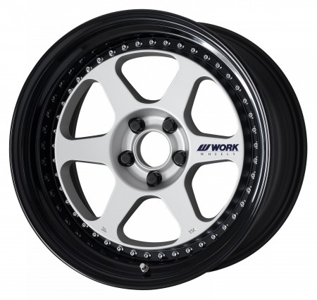 MATT SILVER [MSL] CENTRE DISK, GLOSS BLACK ANODIZED STEP RIM WITH CHROME RIVETS